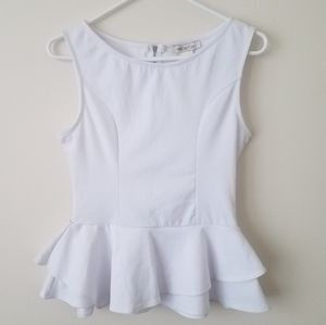 NWT Arden B. Ruffled Sleeveless Shirt